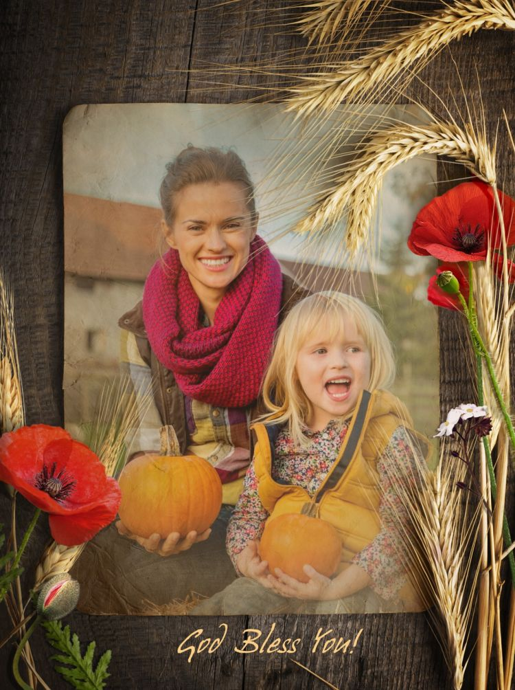 Thanksgiving card with photo of mother and daughter created online