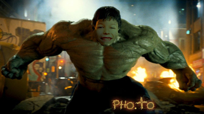 Free online Hulk face in hole