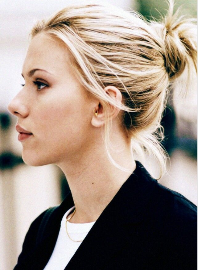 A profile photo of Scarlett Johansson for models