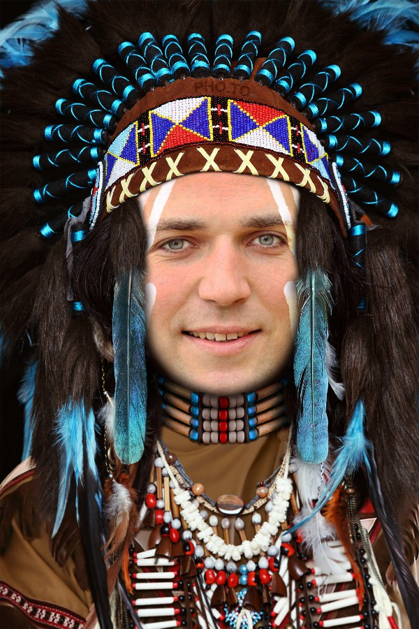 Become a native Indian chief with this face in hole photo effect