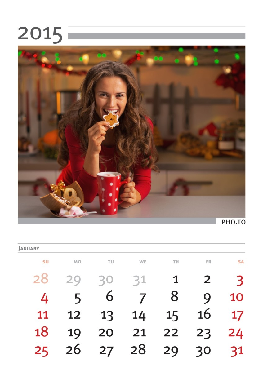 Make personalized photo calendar for year 2015