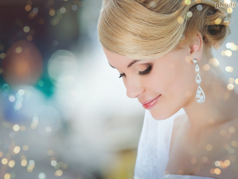 Light bokeh photo effect for a bride's photo