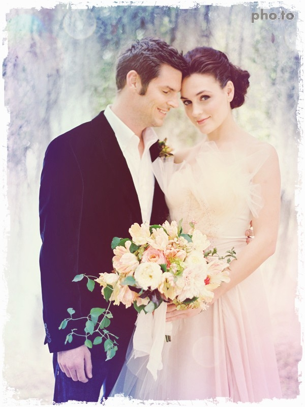 Beautiful soft lilac photo effect for a couple.